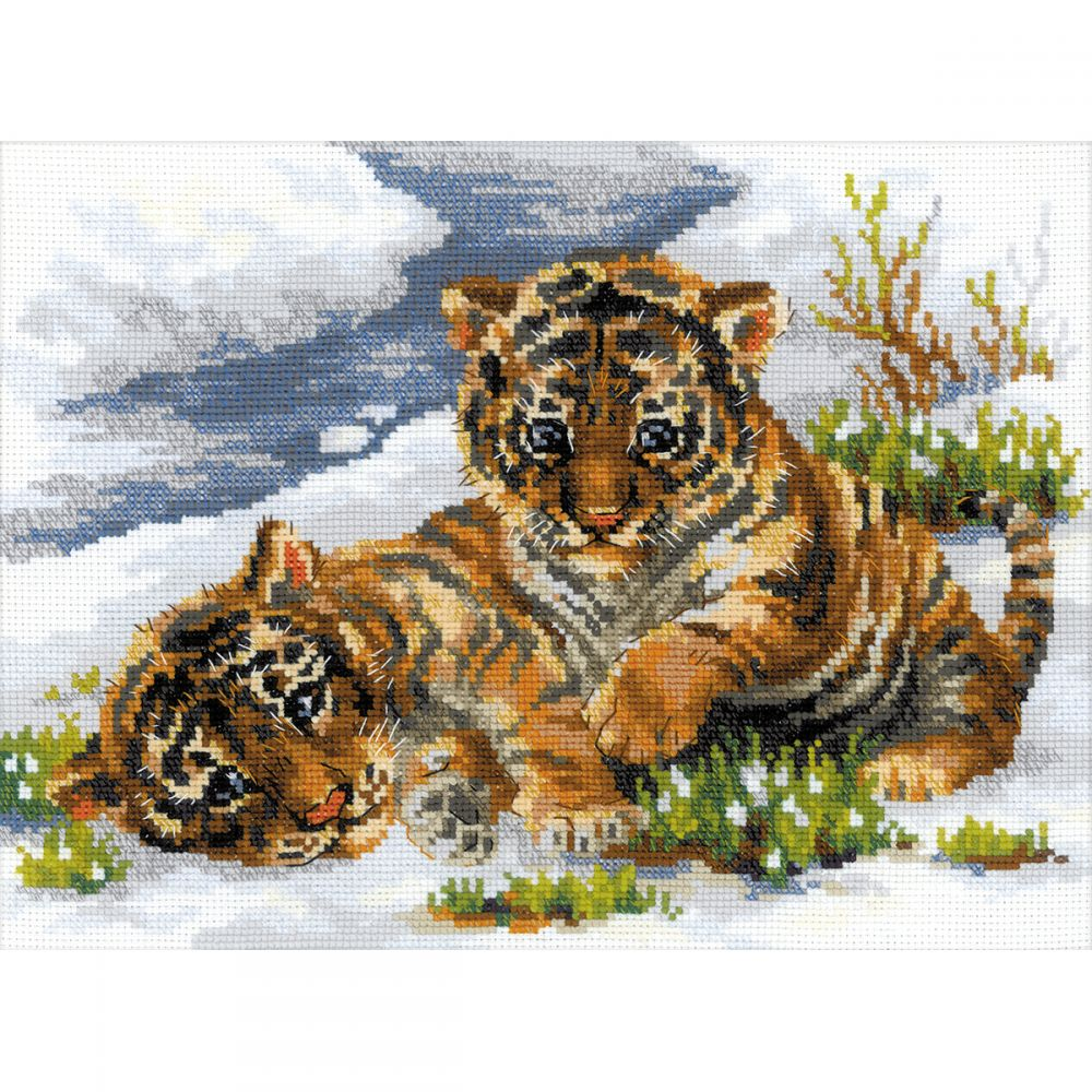 Tiger Cubs In Snow Counted Cross Stitch Kit -  RIOLIS, R1564