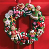 Cookies & Candy Wreath Felt Applique Kit NOTM050144