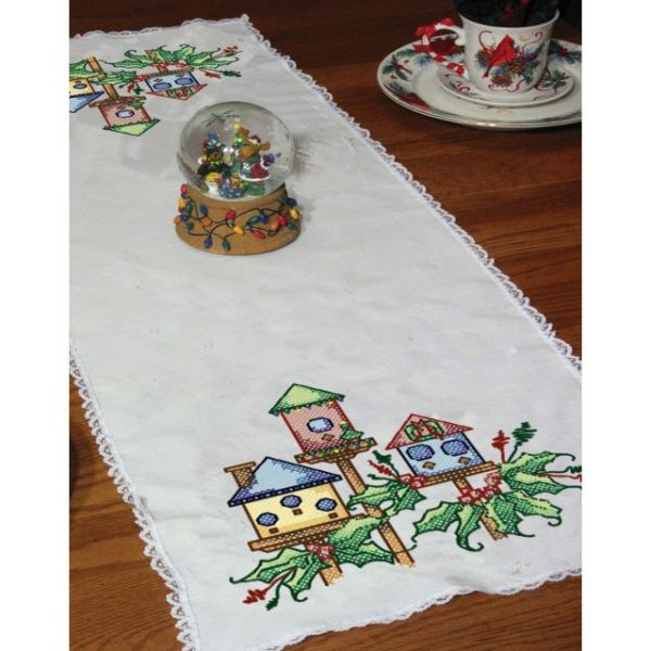 "Stamped Lace Edge Table Runner 15""X42"""