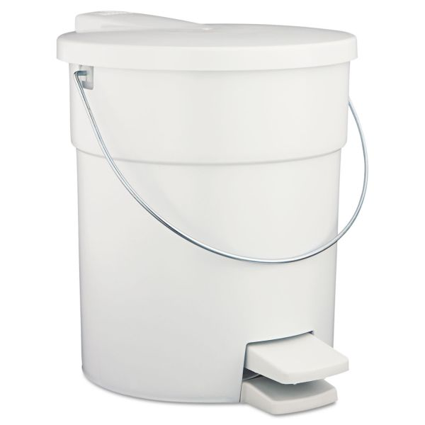 Rubbermaid Step-On 4.5 Gallon Trash Can With Lid