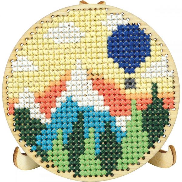 Round Wood Display W/Easel Punched For Cross Stitch