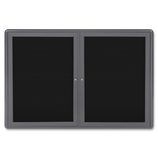 Ghent 2-Door Ovation Enclosed Letterboard