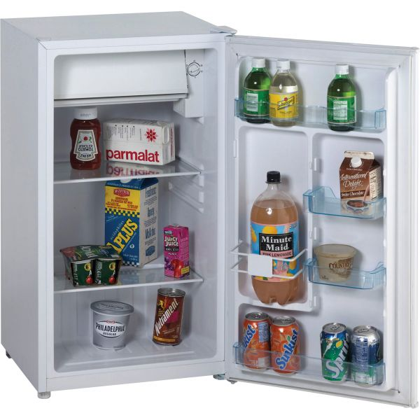 Avanti Refrigerator with Chiller Compartment